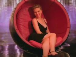 Scarlett Johansson -  L'Oréal Paris Glam Shine Commercial (2007) XparHCyv_t