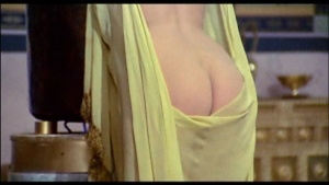 Patrizia Webley / Cha Landres / others / Le calde notti di Caligola / nude / (IT 1977) Y2jR1YiA_t