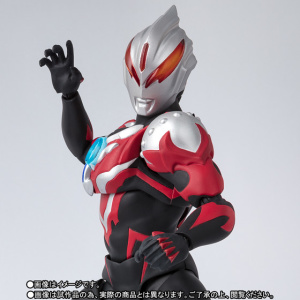 Ultraman (S.H. Figuarts / Bandai) - Page 5 UT5q9jSn_t