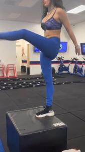 Bella Thorne - Workout 6/2/2020