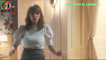 Julia Palha sensual na novela A Herdeira