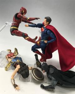 [Comentários] DC Comics S.H. Figuarts - Página 2 5Jnn654O_t