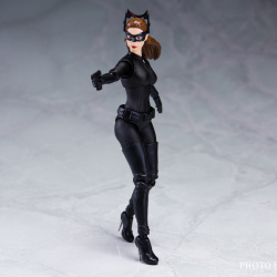 Catwoman - Batman The Dark Knigh rises - SH Figuarts (Bandai) LpLyFria_t