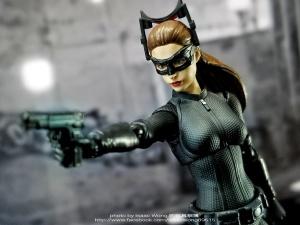 Catwoman - Batman The Dark Knigh rises - SH Figuarts (Bandai) IxhKiiQy_t
