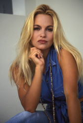 Памела Андерсон (Pamela Anderson) Barry King Photoshoot 1992 (4xHQ) RIKMvuYV_t