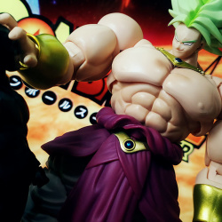 Dragon Ball - S.H. Figuarts (Bandai) SNx0CQSc_t