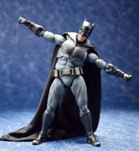 [Comentários] DC Comics S.H. Figuarts UawtCSrF_t