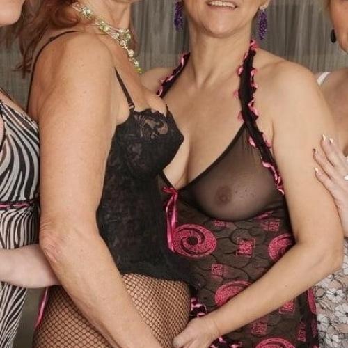 Old young lesbian sex pics