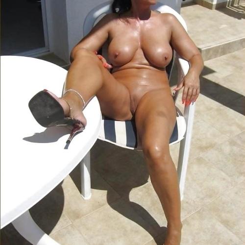 Erotic mature women pictures