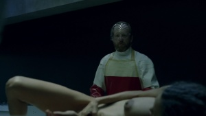 Thandie Newton / others / Westworld S01Ep02 / nude / (US 2016) YggnkVri_t