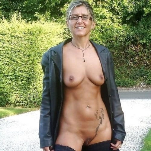 Older Naked Picturies