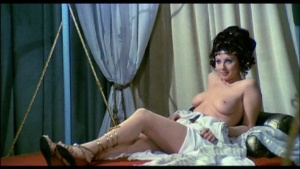 Patrizia Webley / Cha Landres / others / Le calde notti di Caligola / nude / (IT 1977) 5ElC8obw_t