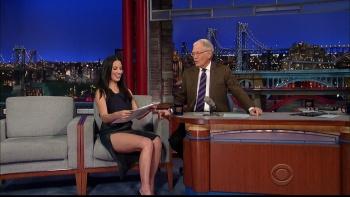 OLIVIA MUNN - *thigh show spectacular* - letterman - Dec 10, 2014 46JKtBWr_t