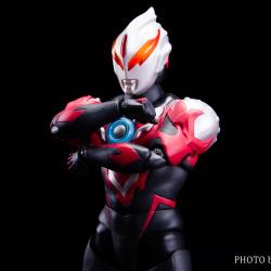 Ultraman (S.H. Figuarts / Bandai) - Page 6 ORmIuUOb_t