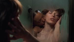 Milla Jovovich / .45 / nude / sex / lesbi / (US 2006) YoDnB8KD_t