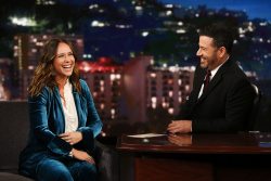 Jennifer Love Hewitt - Jimmy Kimmel Live: September 4th 2018 V8AMlCBm_t