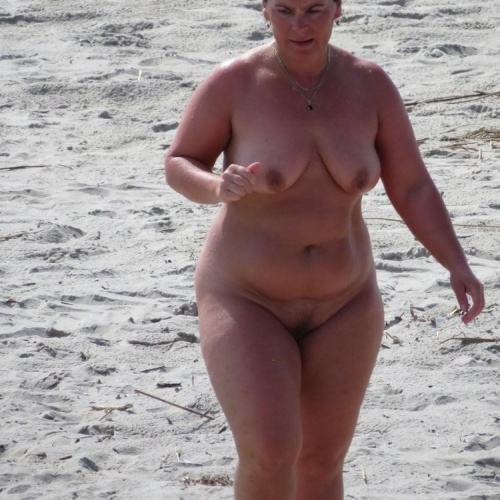 Hot naked chubby women