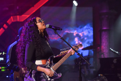 H.E.R. - The Late Show with Stephen Colbert: April 2nd 2019