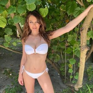 Elizabeth Hurley in White Bikini 21/2/2020