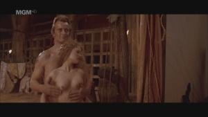 Jennifer Jason Leigh / Blanca Marsillach / others / Flesh+Blood / nude /  (US 1985) SJCait2j_t