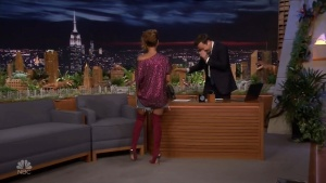JADA PINKETT-SMITH *legs, thighs* - fallon - 6.15.2018 boOJfbDO_t