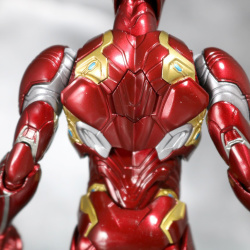 Iron Man (S.H.Figuarts) - Page 16 7a6gRKrY_t