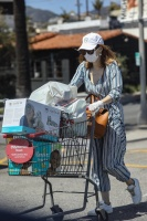Jessica Chastain - shopping in Palos Verdes 4/18/2020