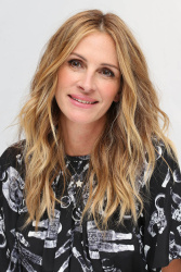 Julia Roberts - Press Conference for 'Wonder' at Langham Hotel in London 11/5/17