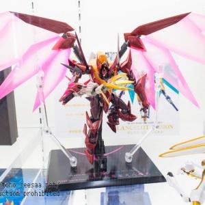 """Gundam : Code Geass - Metal Robot Side KMF """"The Robot Spirits"""" (Bandai) - Page 2 NwmlV8vh_t"""