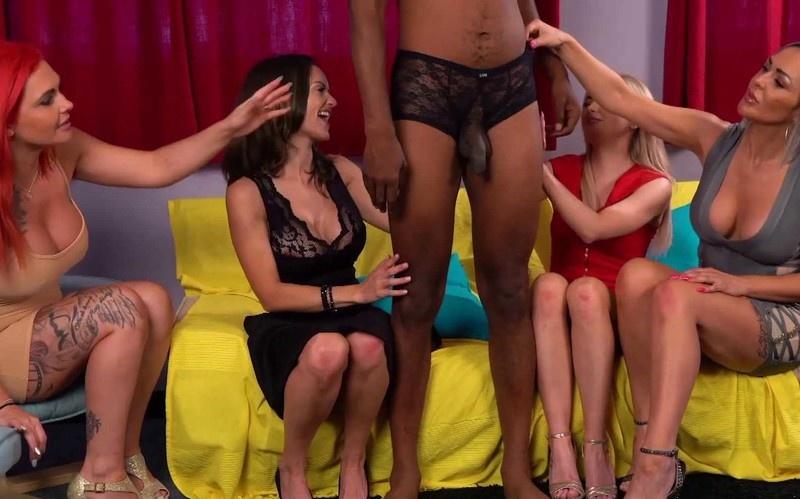 Lacey Taste, Roxi Keogh, Scarlett Rose, Valentina Cruz - Men's Range - Watch XXX Online [FullHD 1080P]
