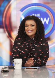 Yvette Nicole Brown - The View: October 8th 2018