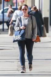 Jennifer Love Hewitt - Leaving a gym in Studio City 11/6/2018 U8PHLvdY_t