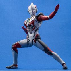 Ultraman (S.H. Figuarts / Bandai) - Page 6 UkyARRQg_t