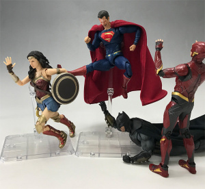 [Comentários] DC Comics S.H. Figuarts - Página 2 EHuyqCkJ_t