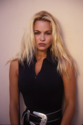 Памела Андерсон (Pamela Anderson) Barry King Photoshoot 1992 (31xHQ) VWUGuLZx_t