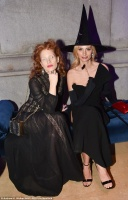 """Jessica Chastain - Metropolitan Museum of Art's """"All Hallow's Eve"""" Benefit in NYC 10/26/17"""