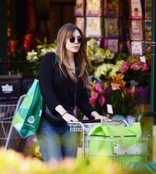 Elizabeth Olsen - Shopping at Whole Foods in LA 4/15/19