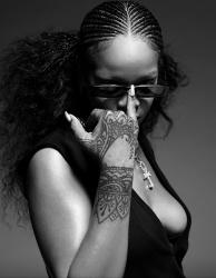 Rihanna    J1WKtU2m_t