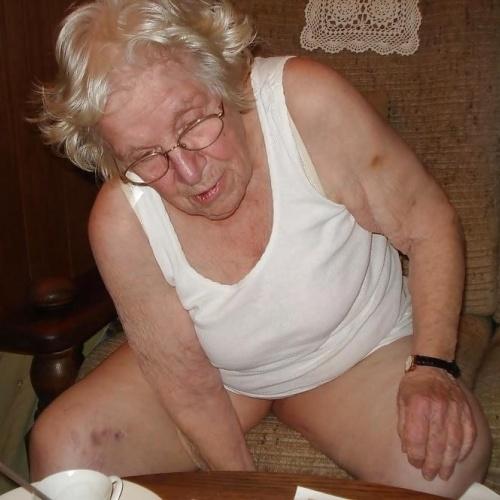 Chubby old granny porn
