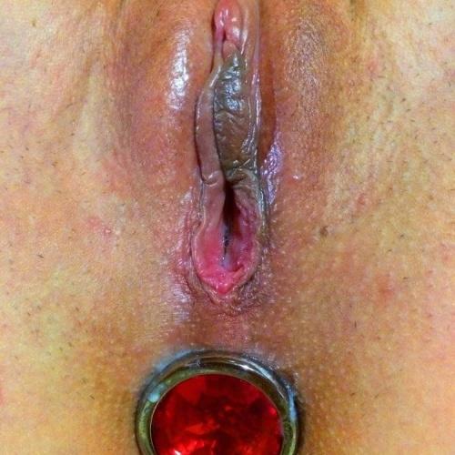 Girl wears butt plug in public