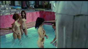 Patrizia Webley / Cha Landres / others / Le calde notti di Caligola / nude / (IT 1977) XIo56BUm_t
