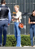 Amber Heard - heads to a business meeting  October 10 2018 3yyeJBP9_t