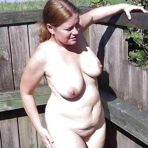 Amateur older nude pics
