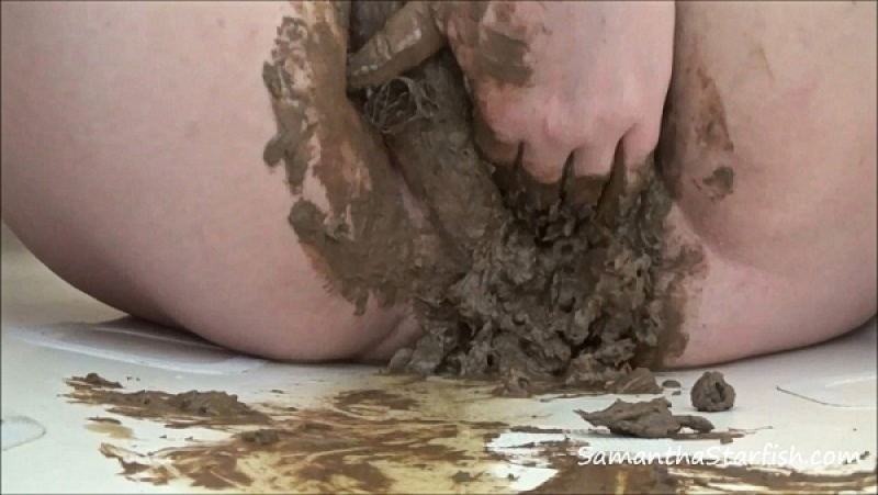 Fatty BBW Shitting Buttplug Penetration In Hairy Pussy [FullHD 1080P]