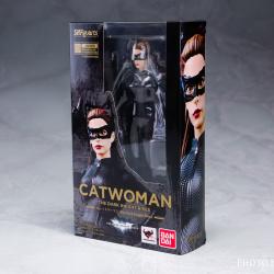 Catwoman - Batman The Dark Knigh rises - SH Figuarts (Bandai) HqjVp2w1_t