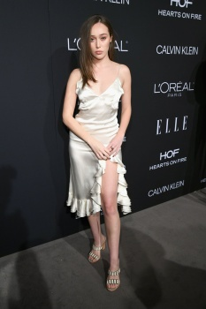Alycia Debnam-Carey - Elle Women in Hollywood, Los Angeles October 15 2018 Darv7n3p_t