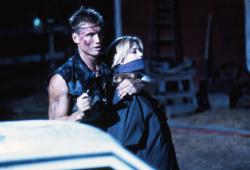 Универсальный солдат / Universal Soldier; Жан-Клод Ван Дамм (Jean-Claude Van Damme), Дольф Лундгрен (Dolph Lundgren), 1992 - Страница 2 BY66oNaJ_t