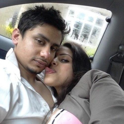 Desi kissing girl