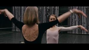 Natalie Portman / Mila Kunis / Black Swan / lesbi / sex / (US 2010) MFoRMfUp_t