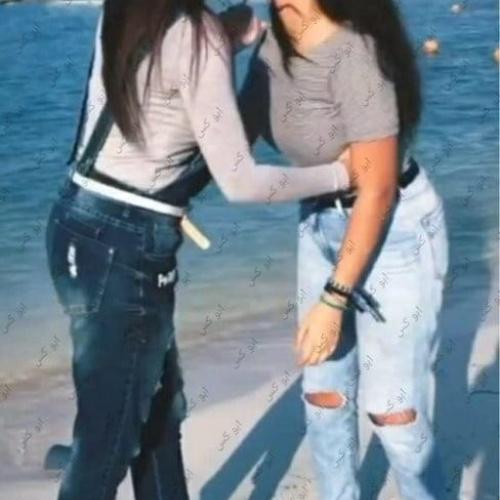 Lesbian navel kiss